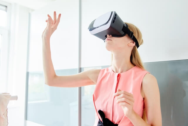 VRは明るい